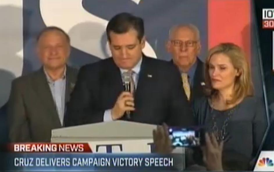 Cruz flanked by King & Dad